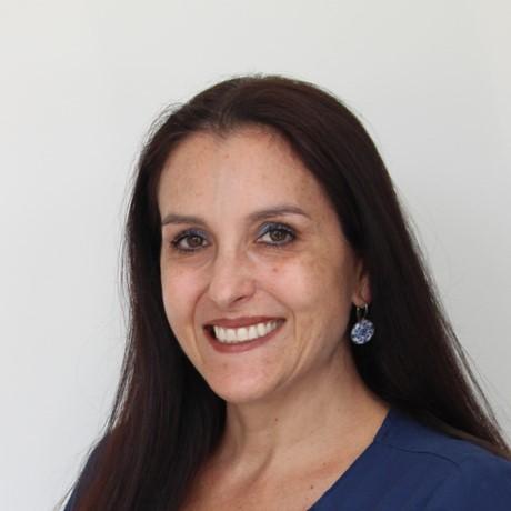 Conoce a la Dra. Carolina Molina