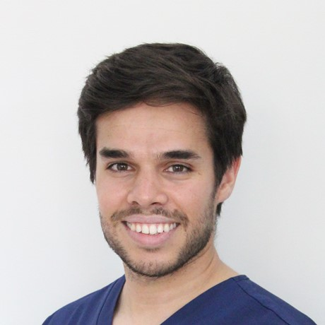 Dr. Gonzalo Guillén | Odontólogo general - conservador | Endodoncista