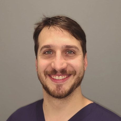 Dr. Rafael Zeballos | Odontólogo especialista en cirugía oral