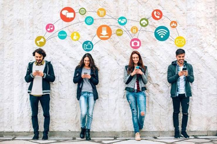 Comunidad Villanueva Social Media