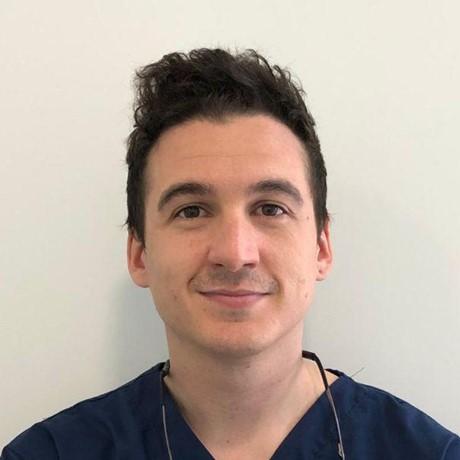 Dr. Javier Gómez