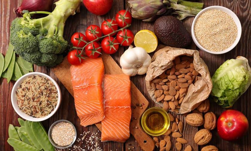 ¿Qué alimentos ayudan a combatir la caries?