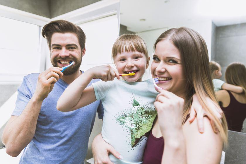 ¿Debe tratarse la caries en los dientes de leche?