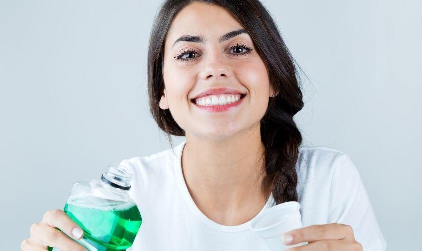 Los colutorios no sustituyen al cepillado de dientes
